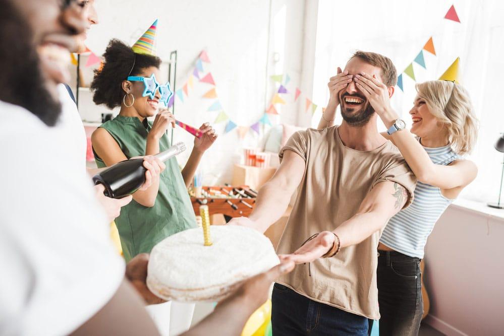 anniversaire surprise adultes